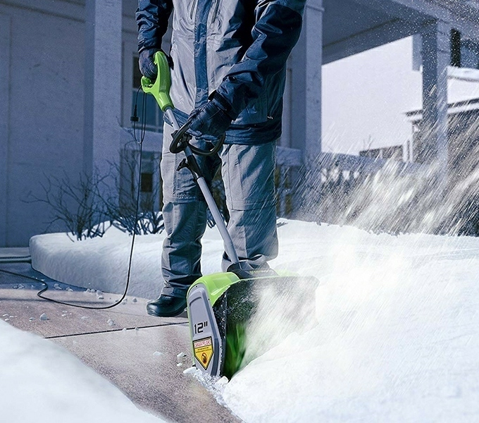 Greenworks 12-Inch 8-Amp Corded Electric Snow Shovel
