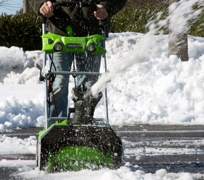 Greenworks 2600202 13-Amp 20-Inch Corded Snow Blower